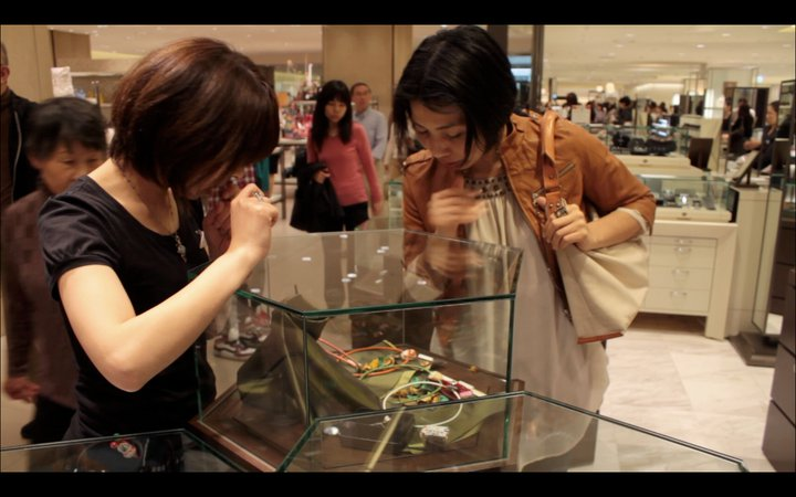 9-anna-tabakhova-osaka-french-jewelry-exhibition-looking-at-opal