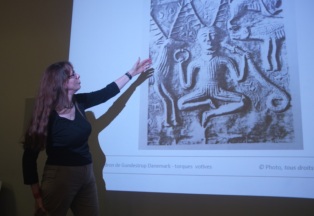 conférence fermoirs anna tabakhova, torque celtique gaule, musee arts decoratifs paris